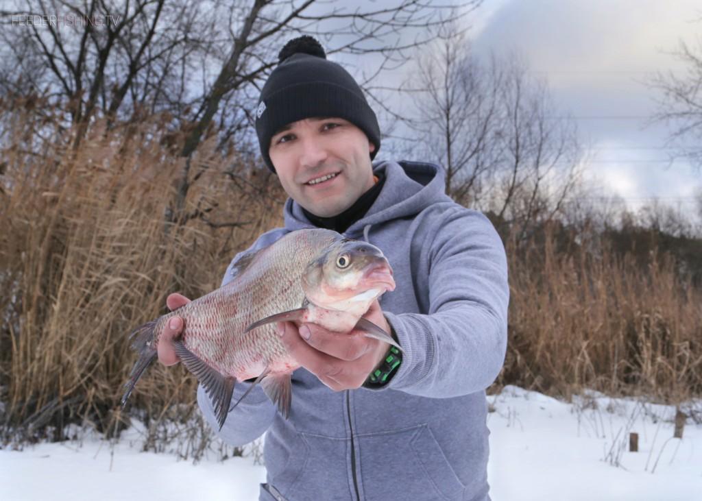 feederfishing.tv winter bream Лещ на фидер под бровкой. Зимний фидер